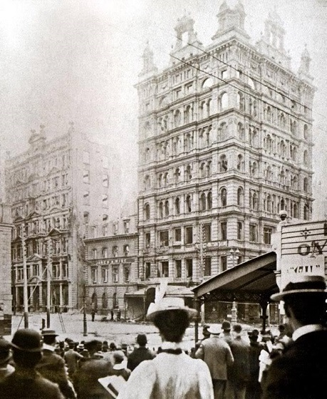 Finks Building the day after the 1897 fire